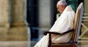 Ватикан заявил об отсутствии коронавируса у папы римского