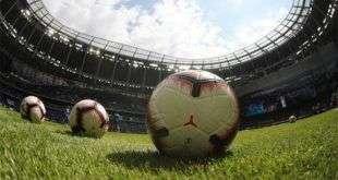 Все футбольные соревнования приостановили в России до 31 мая