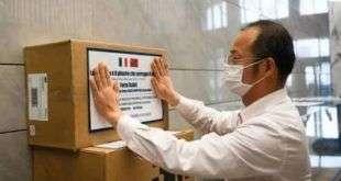 Salone del Mobile.Milano организовала передачу медицинских масок из Китая в Италию