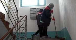 Как часто управляющая компания должна делать влажную уборку в подъездах?